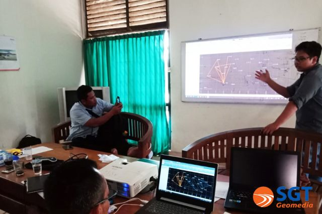 Training GPS Geodetik bersama tim GCP  Perhutani