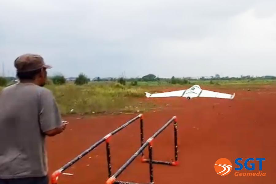 Uji Coba Parasut Untuk Landing UAV Skywalker X8